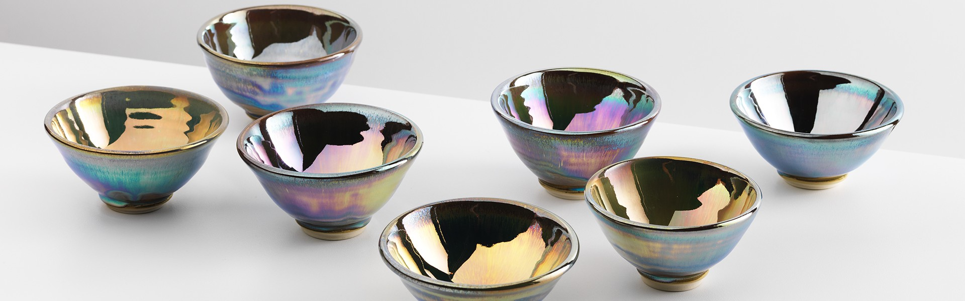 single watergaw in glaze lustre bowls